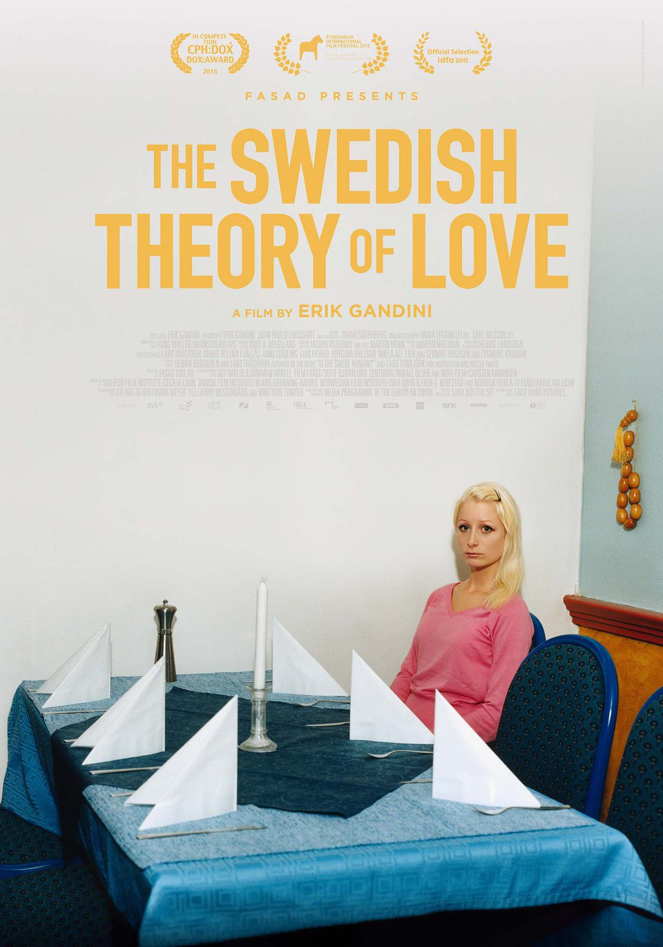 Reino Unido poster for The Swedish Theory Of Love