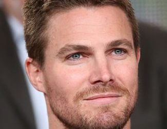 Stephen Amell: Wine connoisseur, wrestling fan, political lineage and other facts!