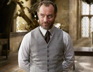 'Fantastic Beasts': J.K. Rowling spent three hours giving Jude Law a masterclass about Dumbledore