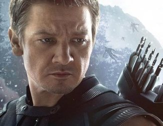 'Avengers 4': Jeremy Renner Drives Fans Crazy with Selfie of Badly Injured Hawkeye